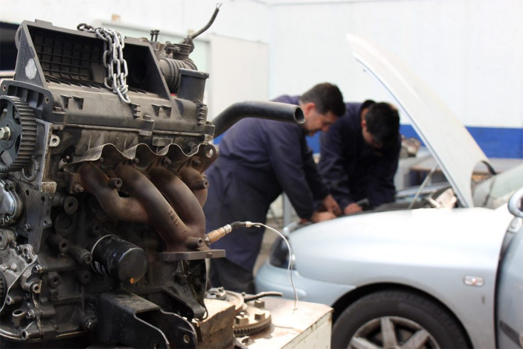 Carrera técnica en mecánica automotriz